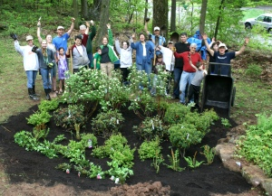Rain Garden group shot - 5.11.13